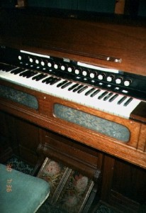 1873 Estey Pump Organ
